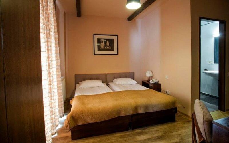 номер в Alpina Hotel 3*, Гудаурі, Грузія
