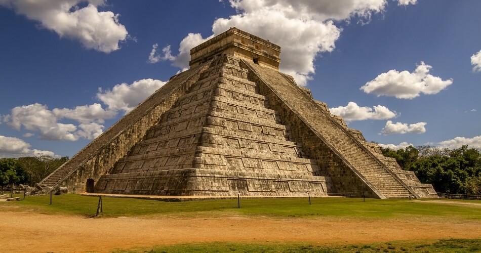 Пирамиды города Чичен-Ица