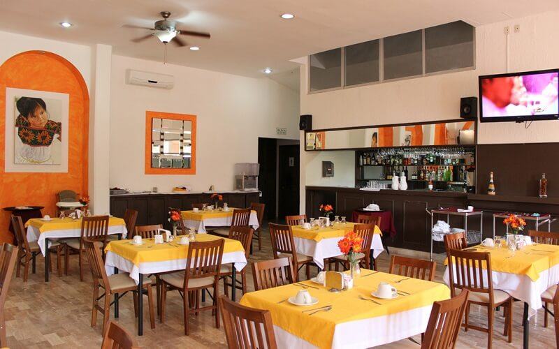 ресторан в отеле Calypso 3*, Канкун, Мексика