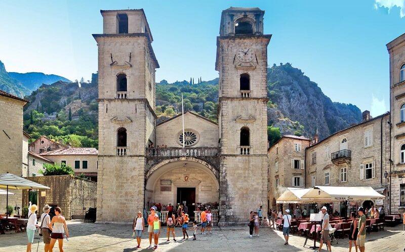 Кафедральный собор Святого Трипуна в Черногории