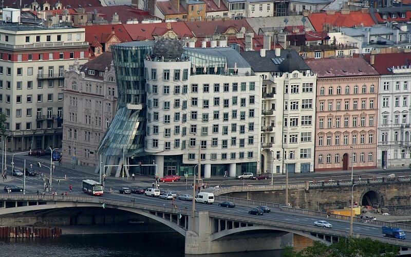Танцующий дом в Праге, Чехия