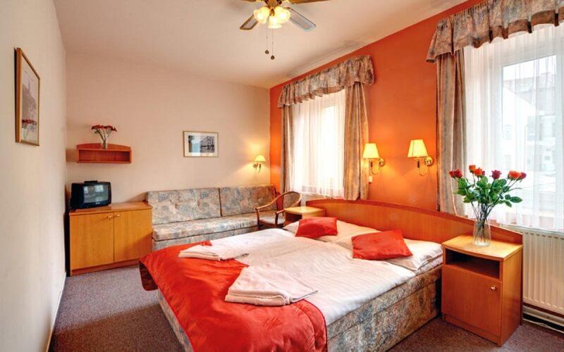 номер в Bily Lev Hotel 3*, Прага, Чехия