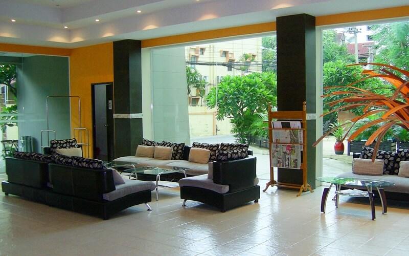 лобби в Crown Pattaya Beach Hotel 3*, Паттайя (Тайланд)