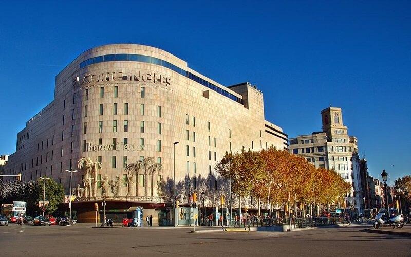 Сеть торговых центров El Corte Ingles в Испании