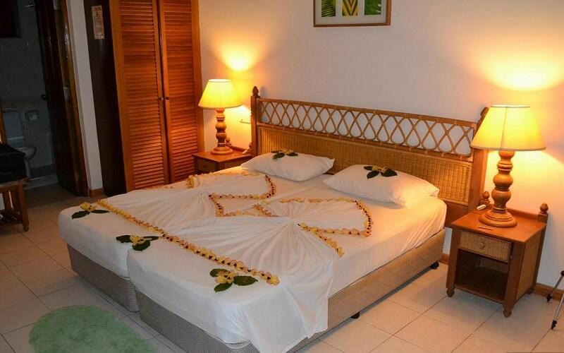 номер в отеле Fihalhohi Island Resort 3*, Южный Мале Атолл, Мальдивы