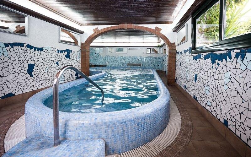 бассейн Xaine Park Hotel 3*, Коста Брава, Испания