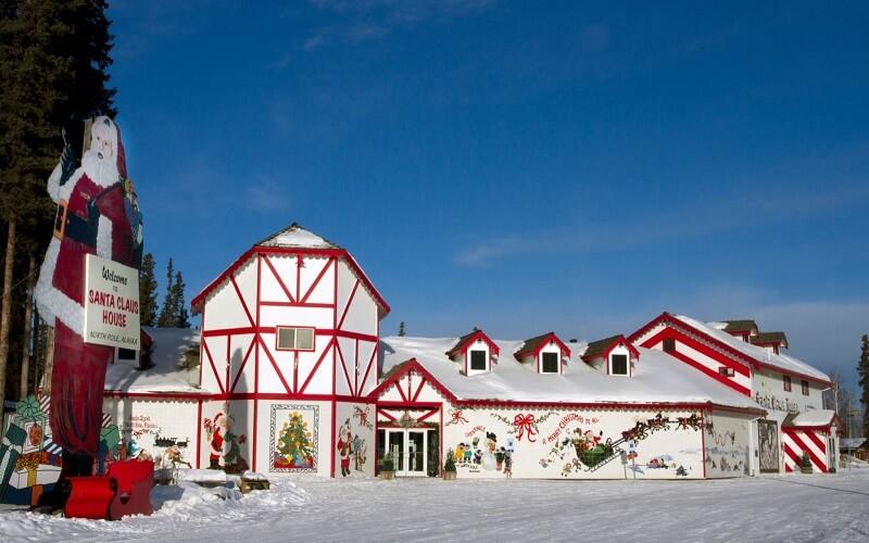 резиденция Санты на Аляске