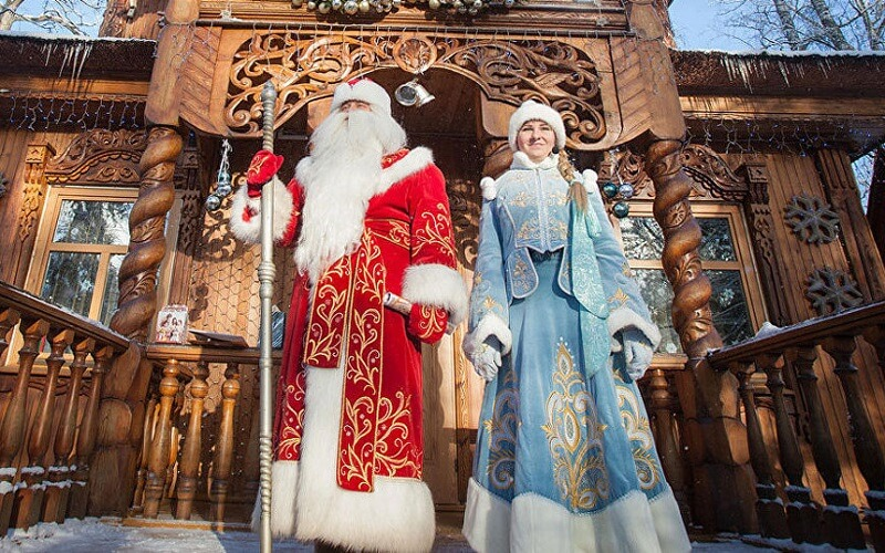 Дед Мороз и Снегурочка в Беловежской пуще
