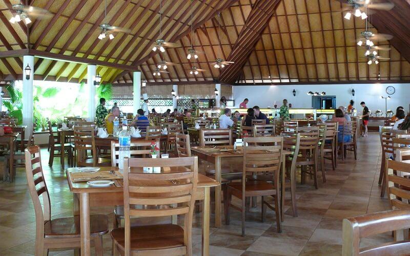ресторан в отеле Fihalhohi Island Resort 3*, Южный Мале Атолл, Мальдивы