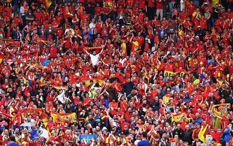 футбольные болельщики в Испании