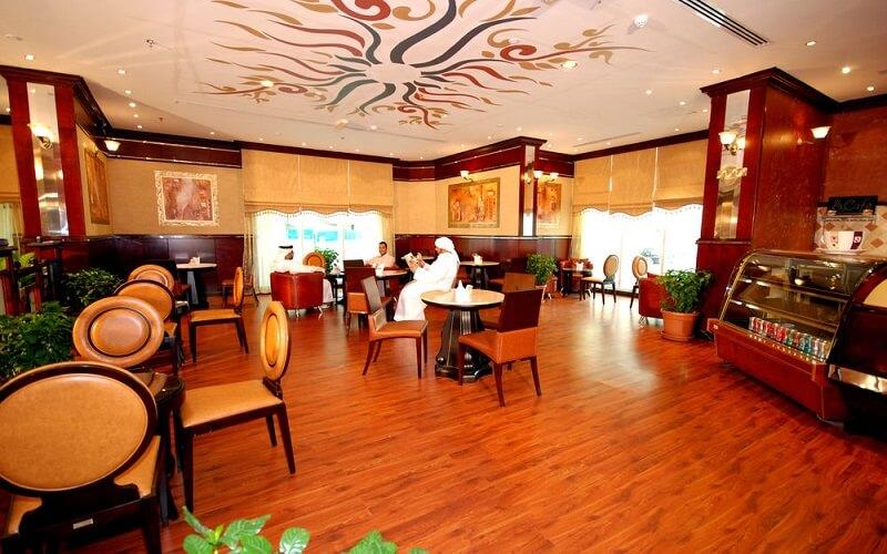 ресторан в Al Bustan Tower Hotel Suites 3*, ОАЭ, Шарджа