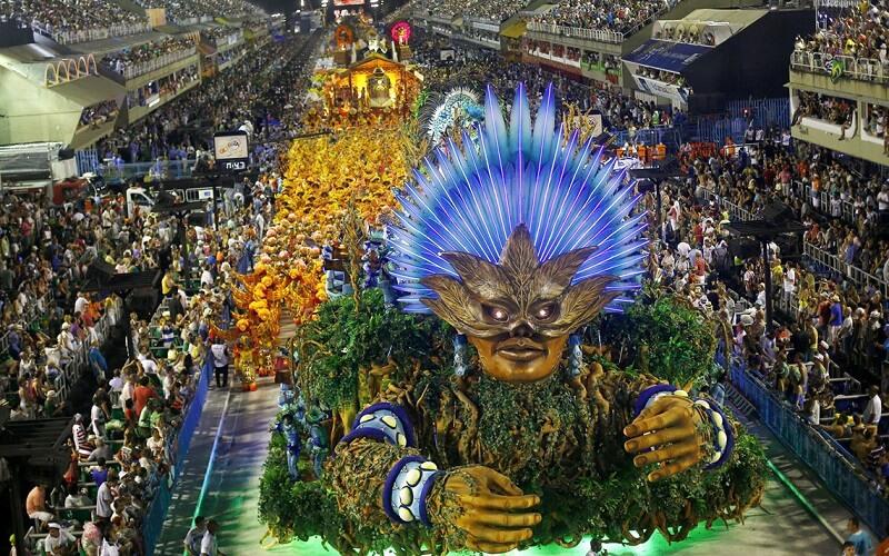 знаменитий бразильський карнавал
