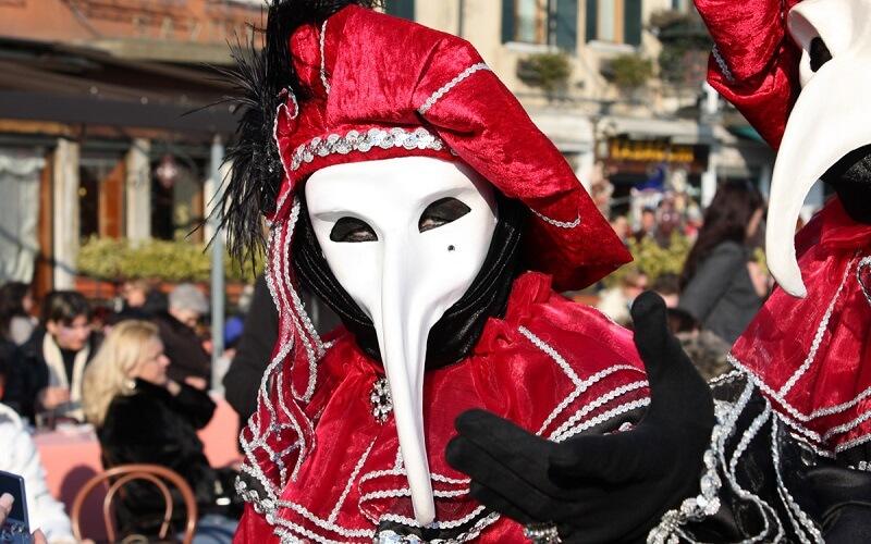 маска Чумной доктор
