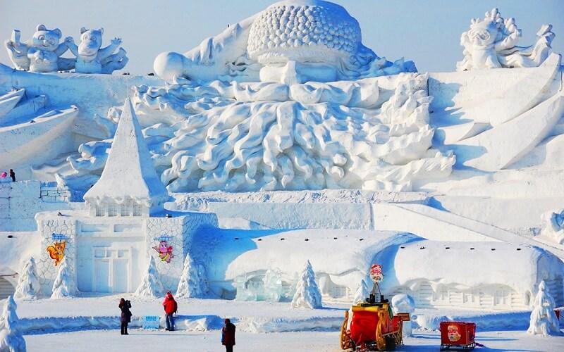 скульптура на Харбинском международном фестивале в Китае