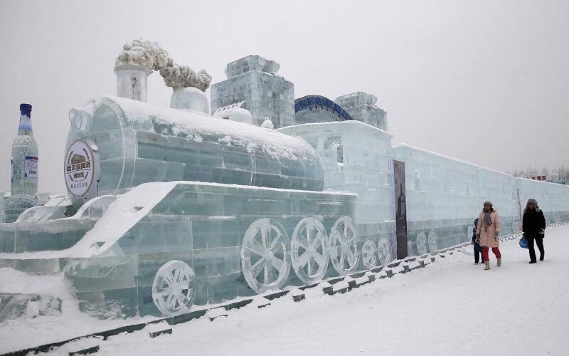 Міжнародний фестиваль снігових та крижаних скульптур у Харбіні