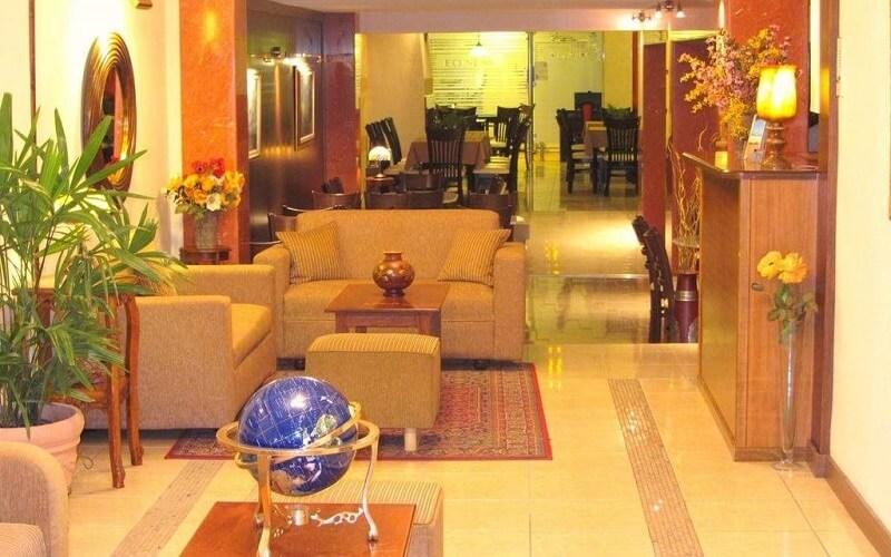 лобі в готелі Lito 2*, Паралія, Греція