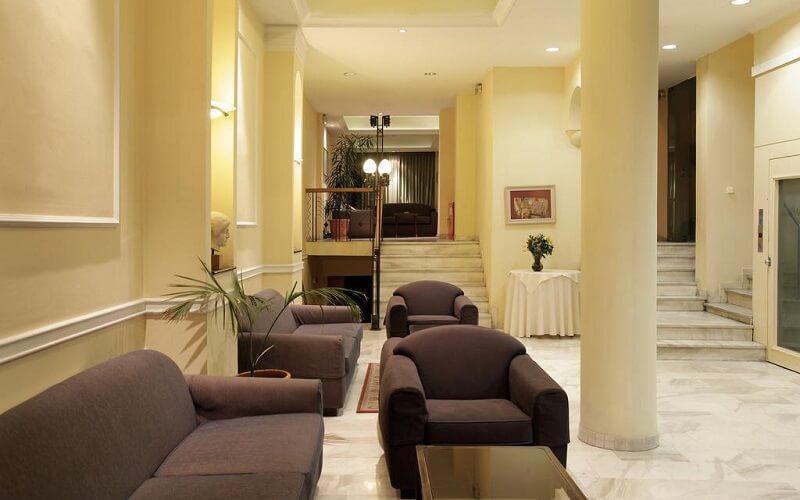лобби в отеле Pella 2*, Салоники, Греция