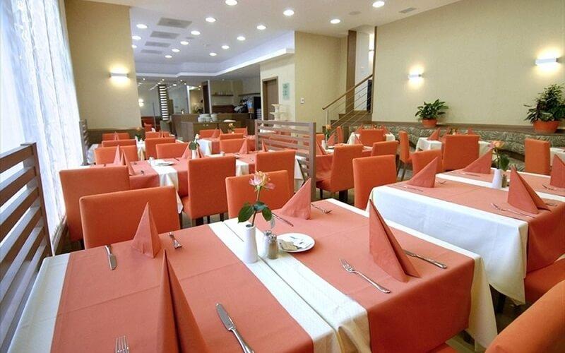 ресторан в готелі Savica 3*, Блед, Словенія