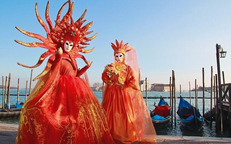наряды во время Венецианского карнавала