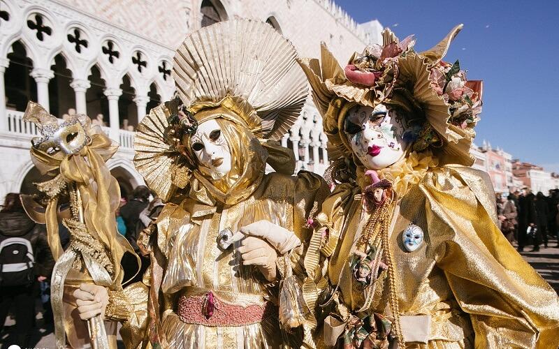 тур на Венеціанський карнавал