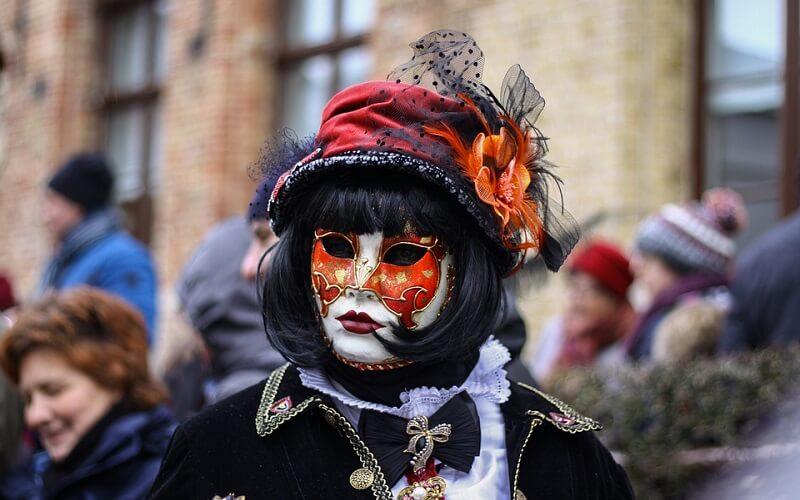 костюм девушки на карнавале