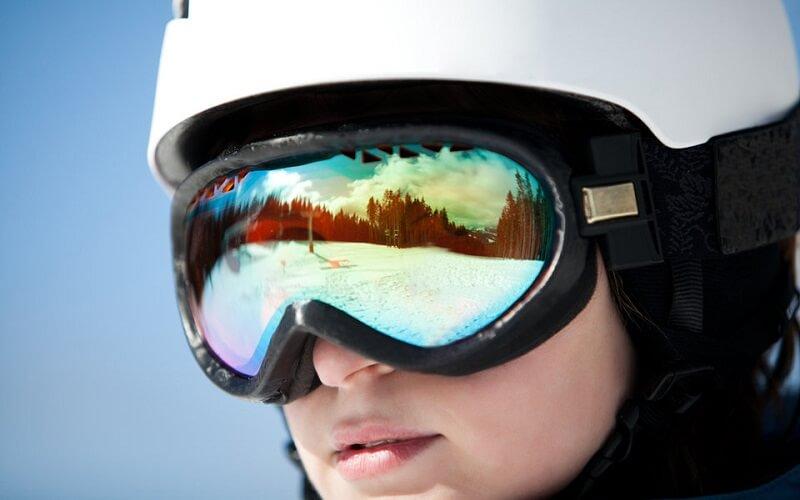 очки на катания в горах