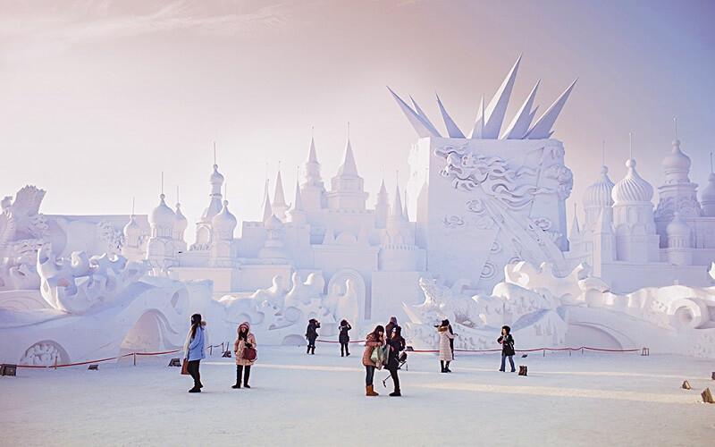 поездка на Харбинский международный фестиваль снежных и ледяных скульптур в Китай