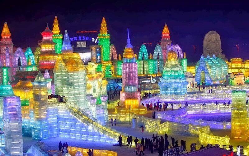 развлечения на фестивале льда в Китае