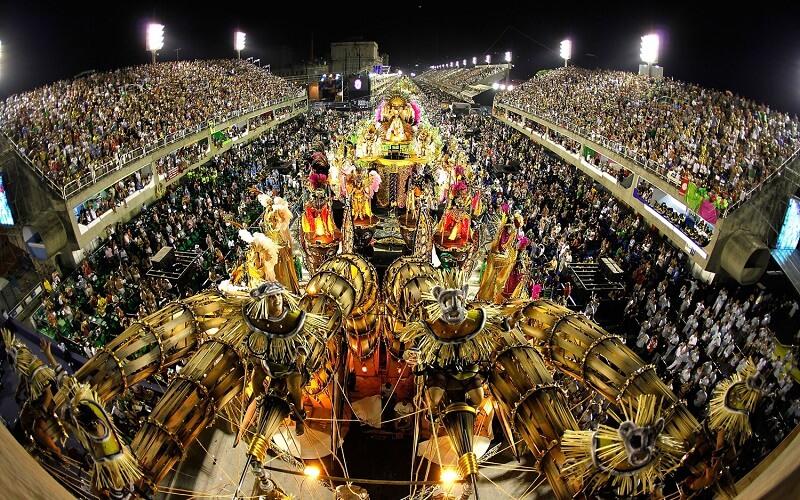 трибуни на карнавалі в Бразилії