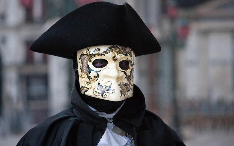 маска Баута в Венеции