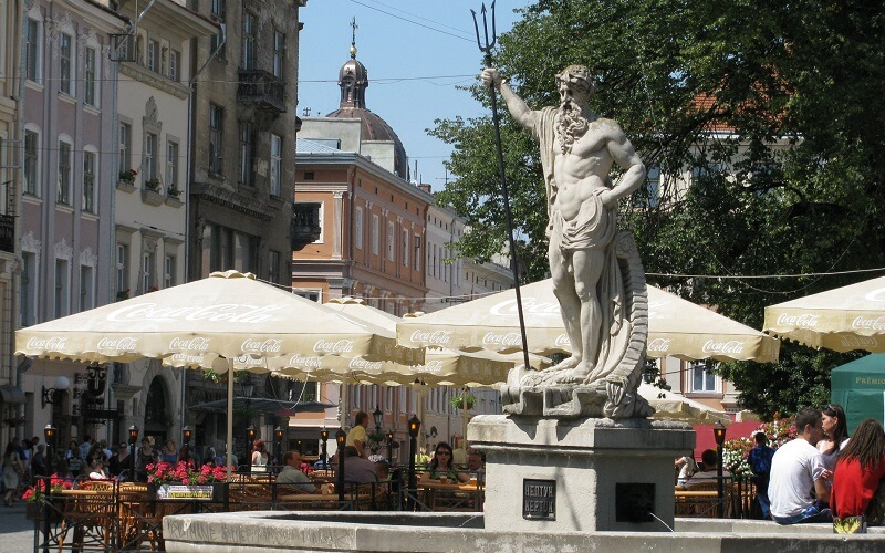статуя Нептуна у Львові