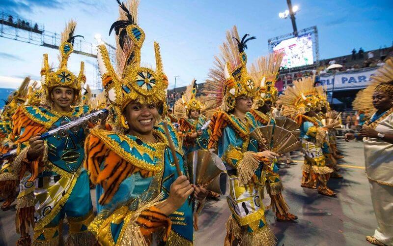 підготовка до карнавалу в Ріо