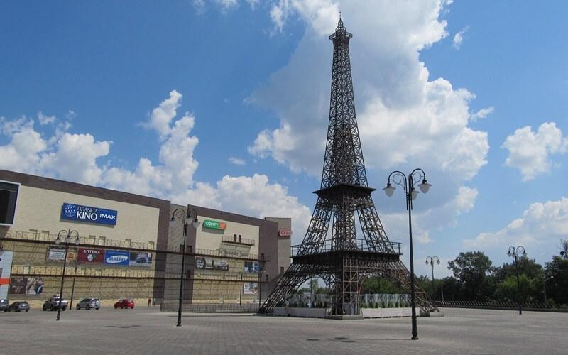 Эйфелева башня в Харькове