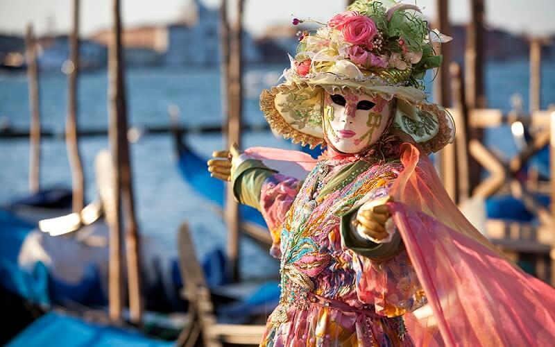 поездка на карнавал в Венецию