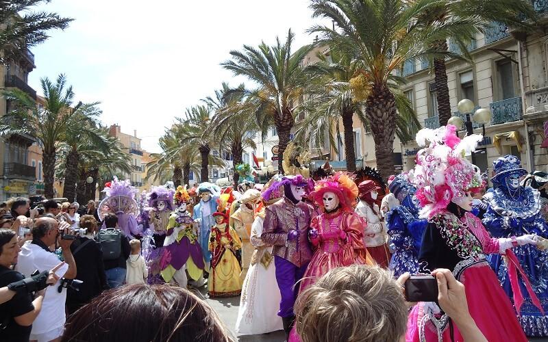 карнавал на улицах Венеции