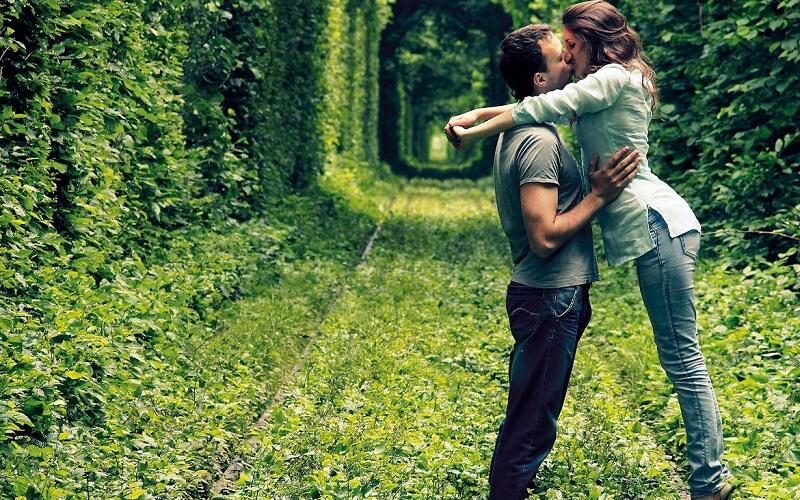 Тунель кохання в Клевані