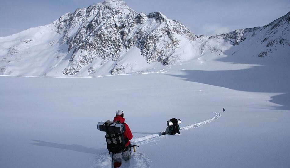 восхождение на горы зимой
