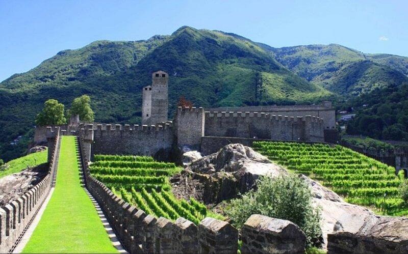 замок Кастельгранде в Швейцарии