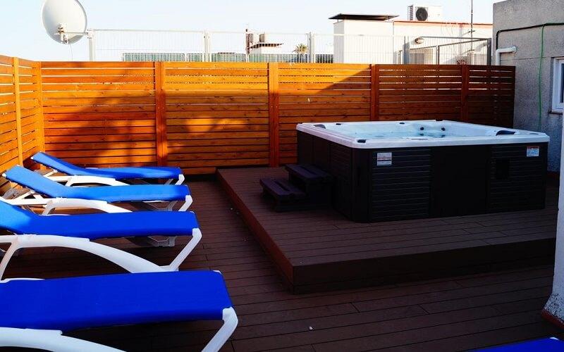 джакузі на даху готелю