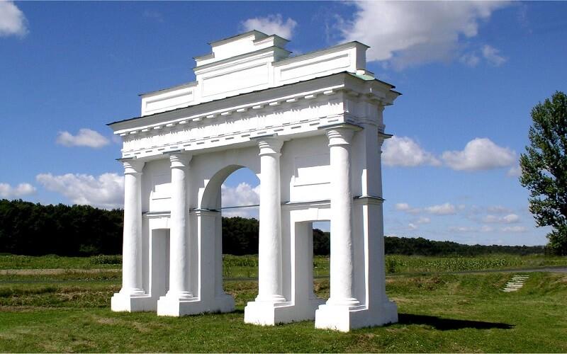 Тріумфальна арка в Диканьці