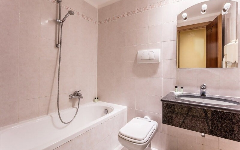 санузел в Lazio Hotel 3*, Рим, Италия