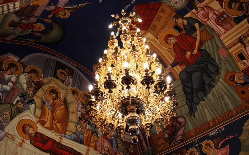 внутри собора Тавна