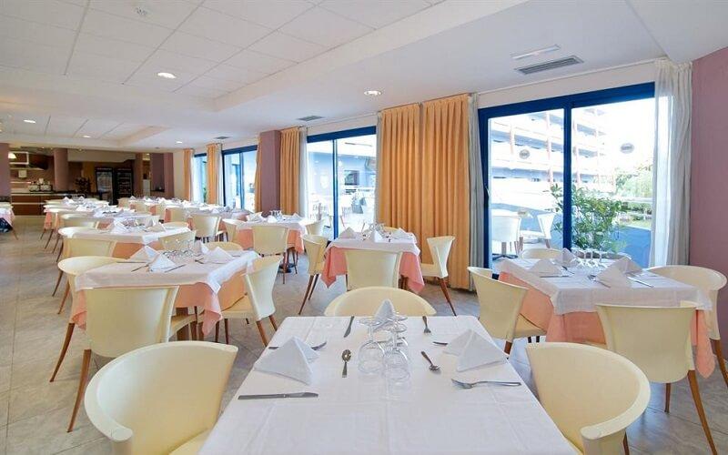 Ресторан в отеле Medplaya Piramide Salou 4*, Испания