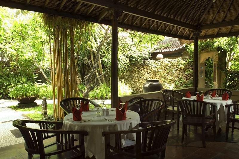 Ресторан у готелі Puri Bambu 3*, о. Балі