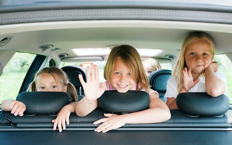 безопасность детей во время поездки