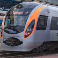 «Укрзалізниця» додасть на Великдень ще кілька потягів