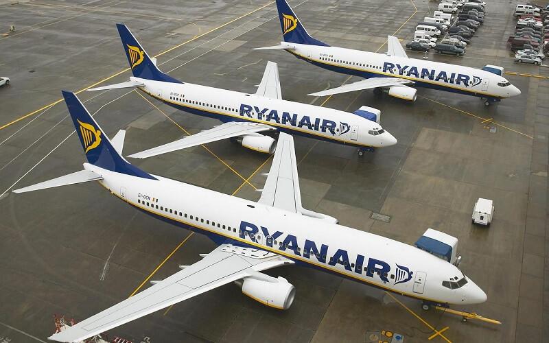 самолёт Ryanair