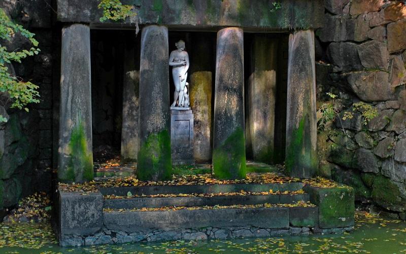 статуи в Софиевском парке