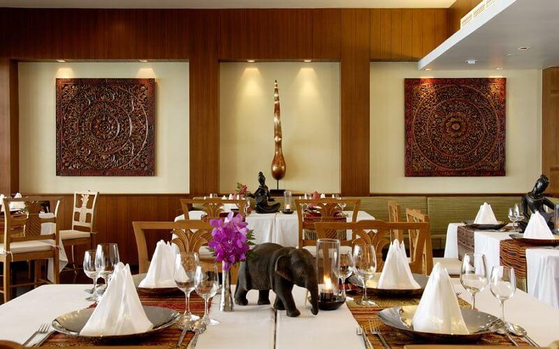 Ресторан в отеле Le Meridien Phuket Beach Resort 5*, о. Пхукет, Таиланд