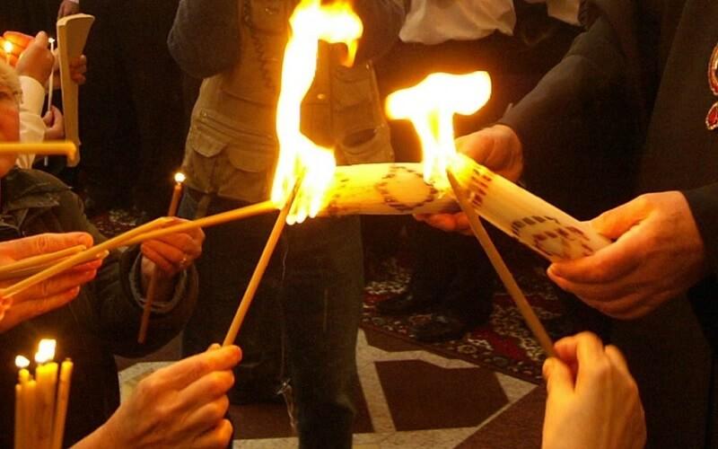 Священний вогонь Великдень в Єрусалимі